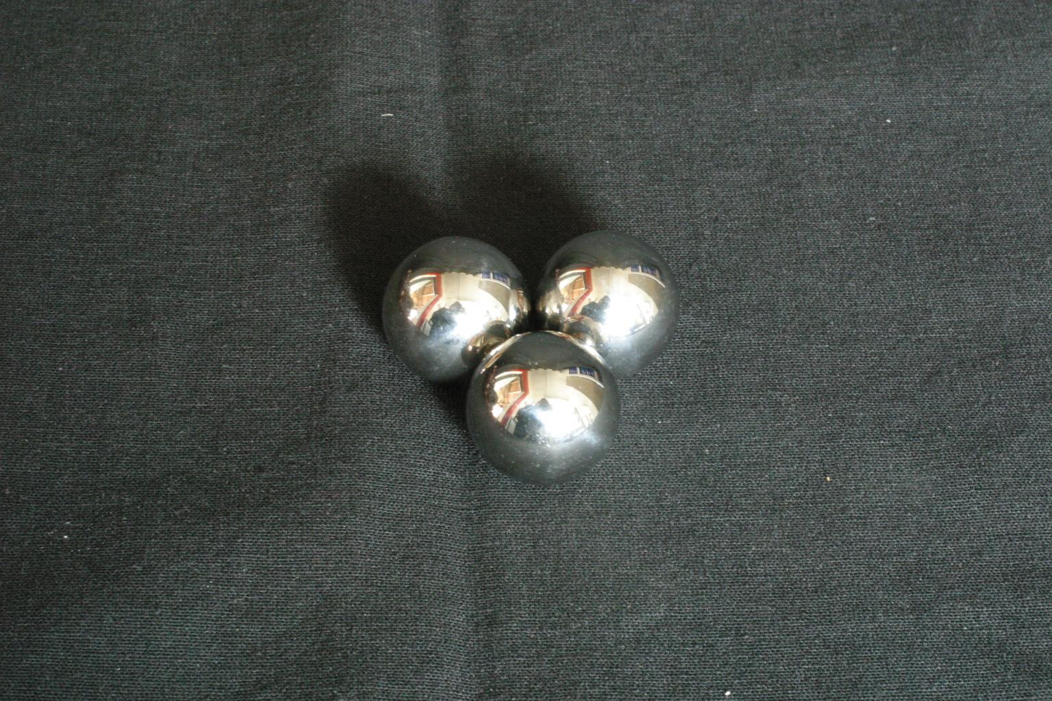1 bille de flipper acier carbone chromé neuve  pinball